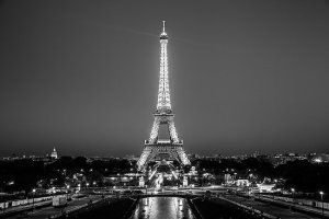 eiffel-tower-black-and-white-poster